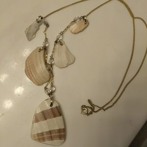 Jewelry - Natural shell and goldtone vintage necklace